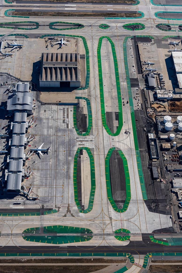 LAX Taxiway P